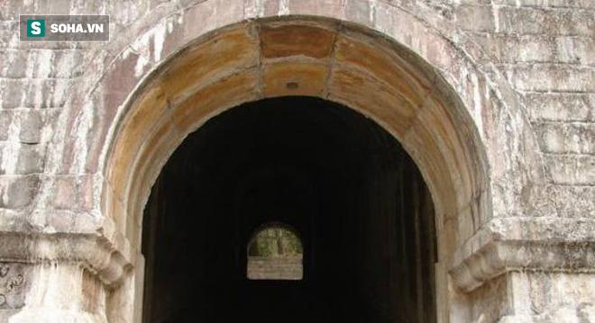 Lăng mộ hoàng đế Trung Quốc 300 năm không kẻ trộm mộ nào dám cướp phá, lý do tại sao? - Ảnh 4.