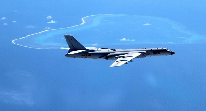 Làm tê liệt đối phương chỉ trong vài phút: Vũ khí mới trên H-6K Trung Quốc đáng sợ cỡ nào? - Ảnh 1.