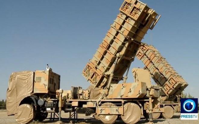 """Iran """"khoe"""" hệ thống phòng thủ tên lửa mới giữa lúc căng thẳng với Mỹ"""