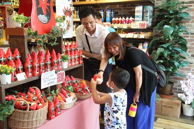 """Chai tương ớt Chin-su của người Việt """"nổi bật"""" trên trang báo lớn của Nhật - Ảnh 7."""