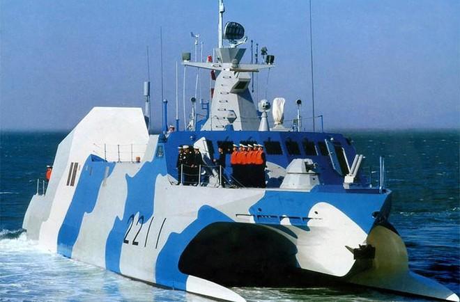 [ẢNH] Trung Quốc gây bất ngờ khi sớm loại biên tàu tên lửa tàng hình Type 022 - Ảnh 8.