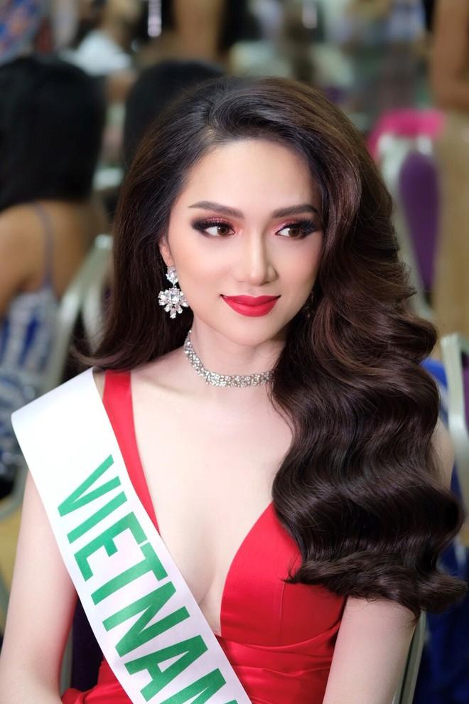 Bức ảnh nhạy cảm và sự kiêu hãnh của Hoa hậu Hương Giang  - Ảnh 5.