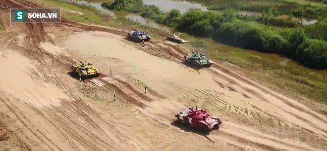 Đại tá xe tăng: Xuất sắc vào chung kết Tank Biathlon 2019 - Thần May mắn vẫn ngoảnh mặt song không cản nổi bước tiến của VN - Ảnh 2.