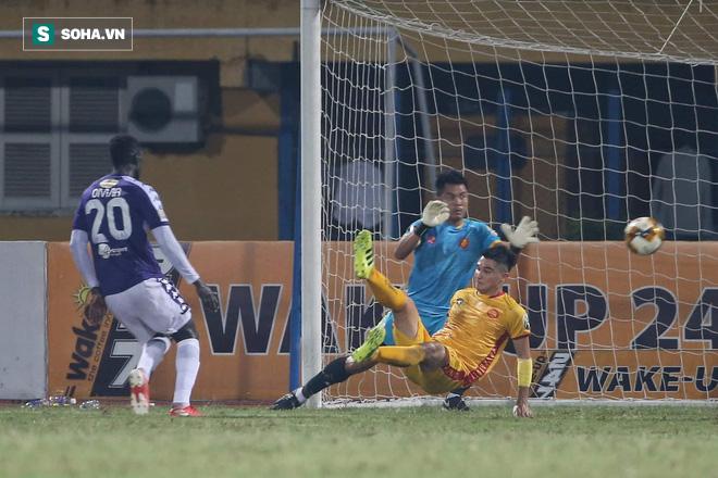 Hà Nội FC tiến gần ngôi vương, HLV Park Hang-seo xoa tay hài lòng với chàng trai tháng 9 - Ảnh 2.