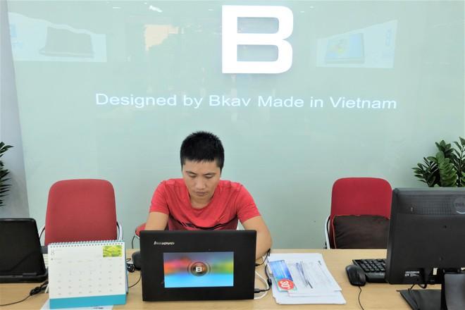 Bên trong tổ hợp dịch vụ khách hàng Bphone Store vừa ra mắt ở Hà Nội - Ảnh 9.