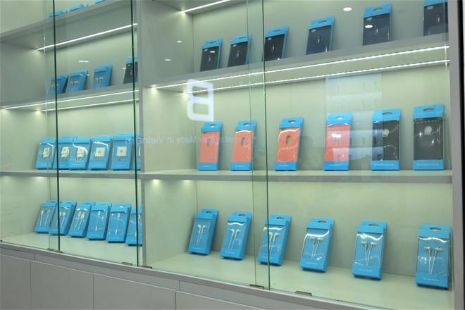 Bên trong tổ hợp dịch vụ khách hàng Bphone Store vừa ra mắt ở Hà Nội - Ảnh 8.