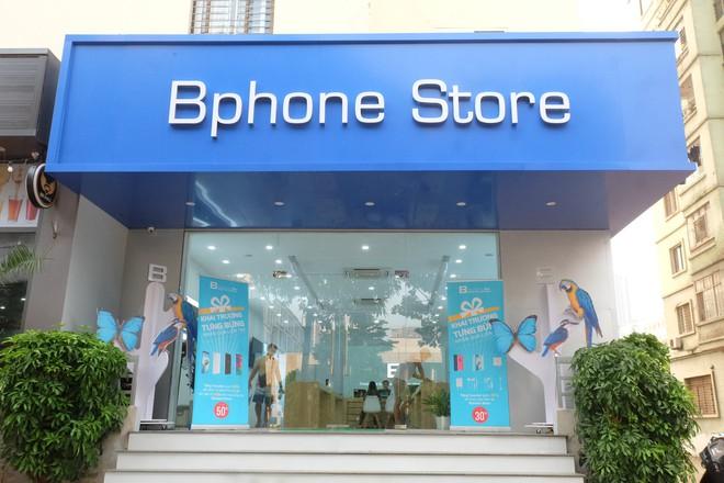 Bên trong tổ hợp dịch vụ khách hàng Bphone Store vừa ra mắt ở Hà Nội - Ảnh 1.
