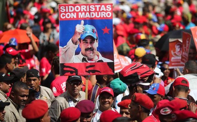 Venezuela tuần hành lớn ủng hộ Maduro, phản đối lệnh phong tỏa của Mỹ