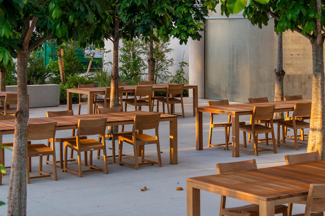 Chiêm ngưỡng Apple Store siêu đẹp với thiết kế lấy cảm hứng từ bãi biển nhiệt đới - Ảnh 4.