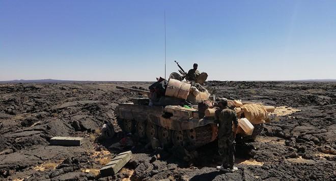 Khủng bố ồ ạt tấn công đầu não KQ Nga ở Khmeimim, QĐ Syria trút hỏa lực hủy diệt phiến quân - Ảnh 7.