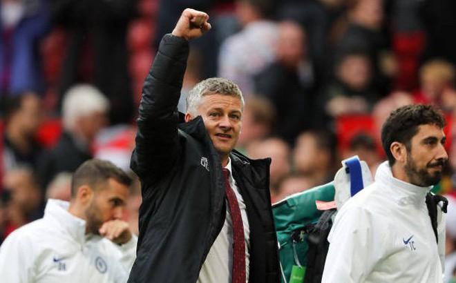 Man United hủy diệt Chelsea, nhưng Solskjaer vẫn có một cơn đau đầu nhẹ
