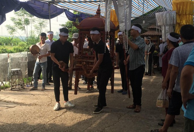 Quang Hải về chịu tang ông nội ngay sau khi lập hat-trick kiến tạo thắng Thanh Hóa - Ảnh 8.