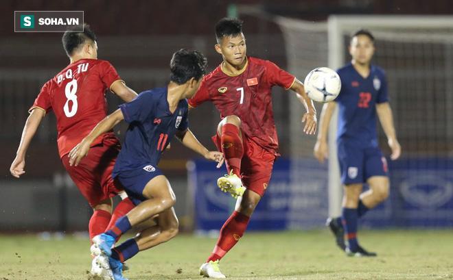 """HLV Nguyễn Thành Vinh: """"Việt Nam chơi máu lửa nhưng rơi vào cái bẫy hiểm của Thái Lan"""""""