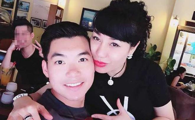 Vợ doanh nhân hơn 15 tuổi sinh đôi con trai cho Trương Nam Thành