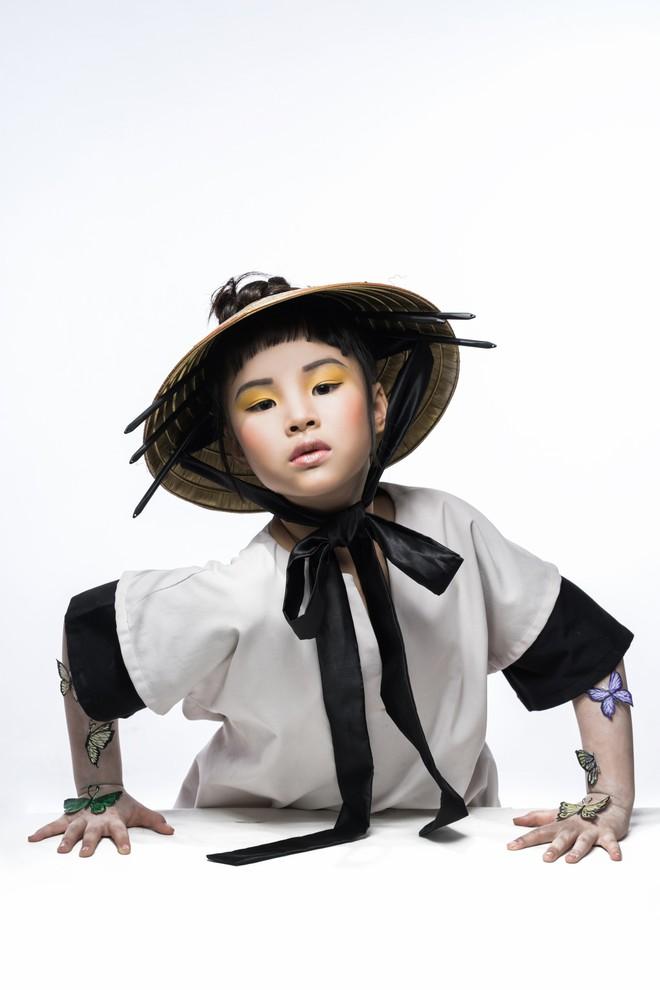 Mẫu nhí Trần Phương Anh gây bất ngờ với bộ ảnh đầy ma mị - ảnh 7