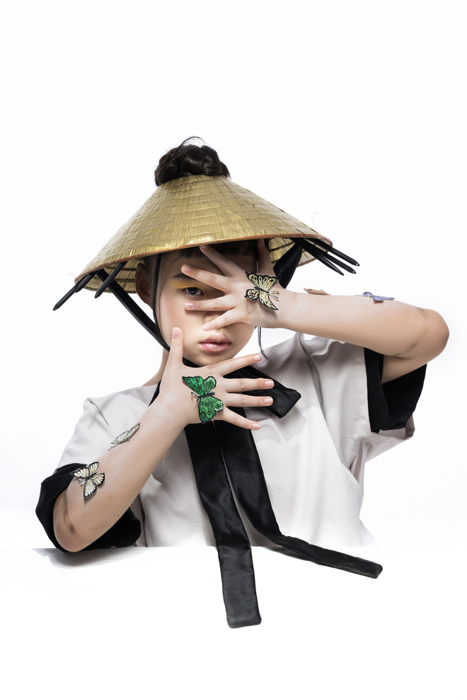 Mẫu nhí Trần Phương Anh gây bất ngờ với bộ ảnh đầy ma mị - ảnh 4