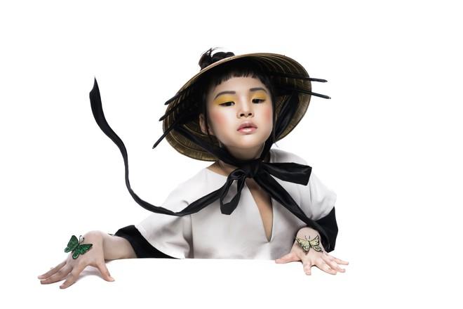 Mẫu nhí Trần Phương Anh gây bất ngờ với bộ ảnh đầy ma mị - ảnh 3