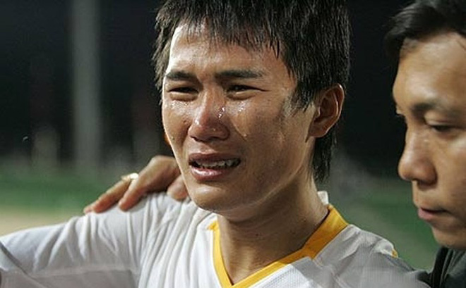 Cú vấp định mệnh của cựu tuyển thủ U23 Việt Nam và sứ mệnh giải cứu con tàu đắm Thanh Hóa