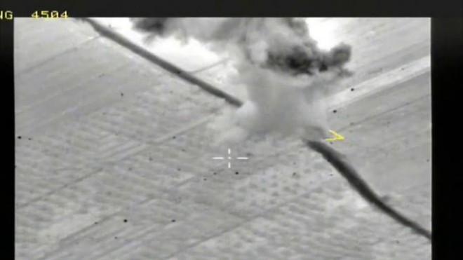 Chiến sự Syria: Liều lĩnh tấn công căn cứ Nga, máy bay không người lái của khủng bố bị tiêu diệt gọn - Ảnh 1.
