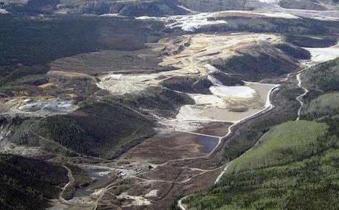 Con sông đắt đỏ nhất thế giới, dưới đáy chứa toàn vàng chỉ việc đến múc lên đem bán