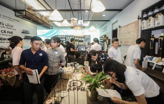Trung Nguyên E-coffee và mục tiêu trở thành hệ thống cửa hàng cà phê hàng đầu Việt Nam - Ảnh 1.