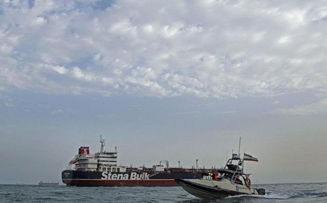 """Anh sắp thả tàu dầu Iran sau khi nhận tài liệu """"lạ""""?"""