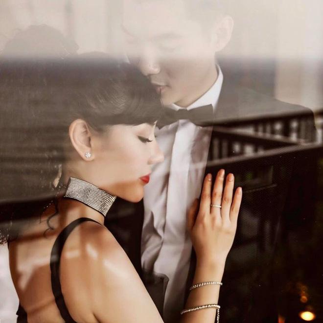 Vợ doanh nhân hơn 15 tuổi sinh đôi con trai cho Trương Nam Thành - Ảnh 2.