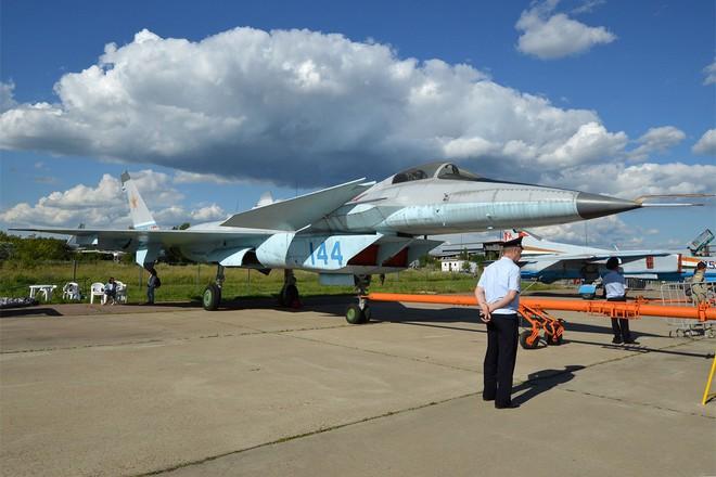 Quái vật bay: Những dự án máy bay chết yểu của Liên Xô - Ảnh 6.