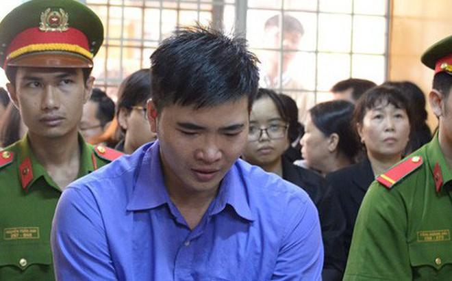 Thầy giáo giết người yêu ở Sài Gòn ngất xỉu khi bị tăng án tử hình