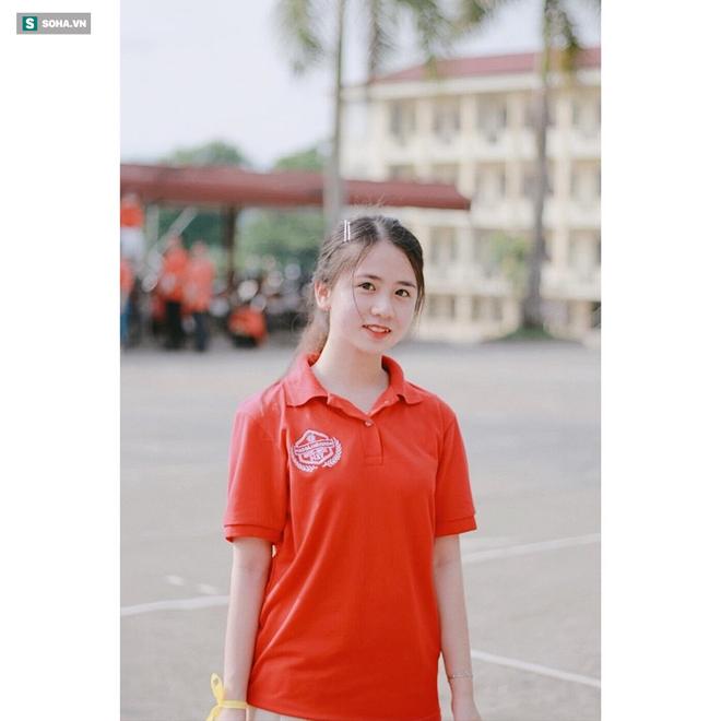 Tân sinh viên trường Luật khiến dân mạng ngẩn ngơ vì vẻ đẹp thơ ngây: 'Em là fan của ngôn tình' - ảnh 10