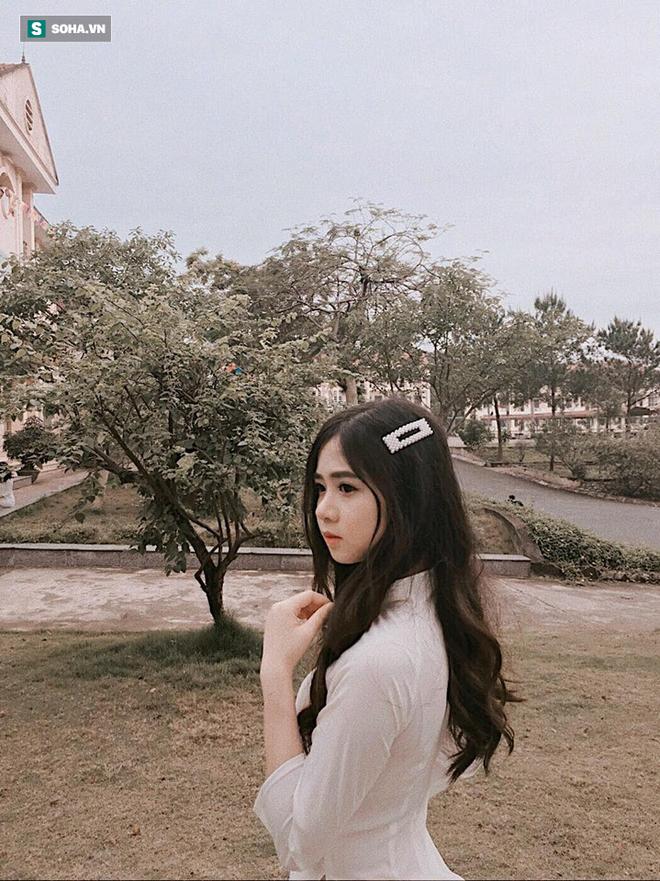 Tân sinh viên trường Luật khiến dân mạng ngẩn ngơ vì vẻ đẹp thơ ngây: 'Em là fan của ngôn tình' - ảnh 3
