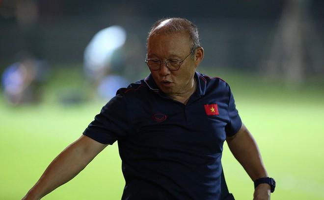 """Thầy Park đổi lịch để đối đầu với """"sếp cũ"""" Guus Hiddink trên đất Trung Quốc"""