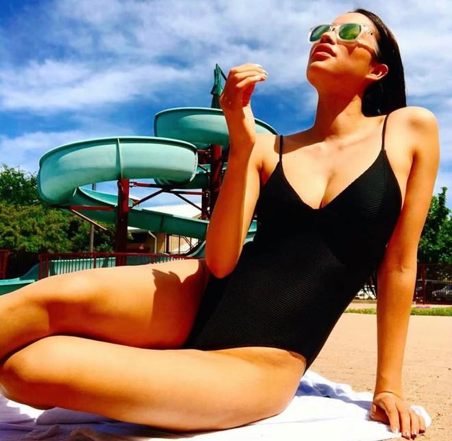 Hoa hậu Phạm Hương khoe vóc dáng gợi cảm ở tuổi 29 - Ảnh 6.
