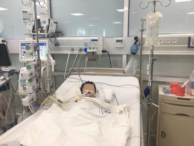 Bé trai 27 tháng tuổi nguy kịch, hỏng gan vì ngộ độc thuốc hạ sốt Paracetamol - Ảnh 1.