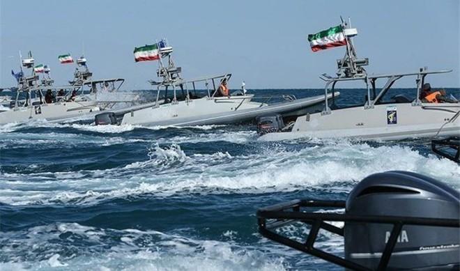 Tàu tấn công nhanh Iran: Siêu đẳng về tác chiến phi đối xứng - NATO, Mỹ khiếp sợ! - Ảnh 3.