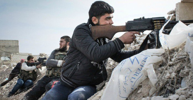 QĐ Syria bắt sống nhiều tăng thiết giáp, phiến quân vỡ trận Nam Idlib, tháo chạy như ong vỡ tổ - Ảnh 8.