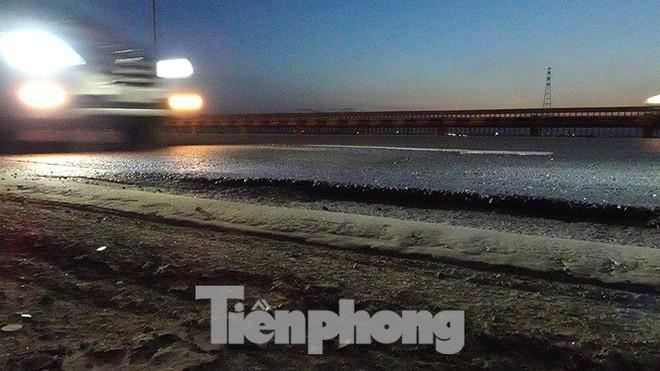Vì sao cầu Thăng Long rung lắc mỗi khi xe ô tô đi qua? - Ảnh 11.