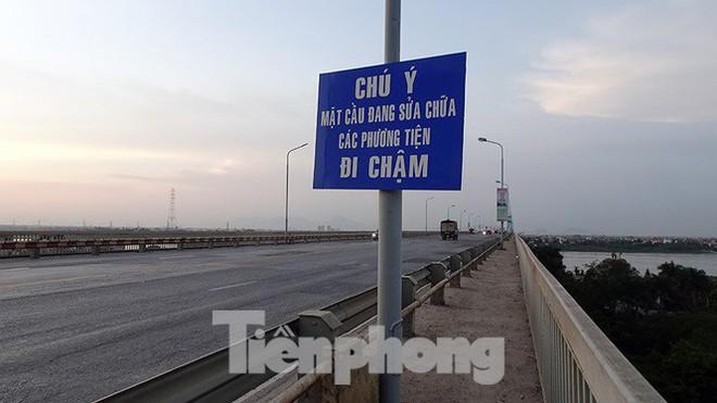 Vì sao cầu Thăng Long rung lắc mỗi khi xe ô tô đi qua? - Ảnh 3.
