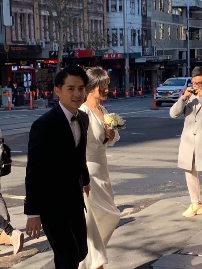 Đông Nhi, Ông Cao Thắng khoe quà cưới sau khi bị bắt gặp chụp hình cưới tại Úc - Ảnh 4.