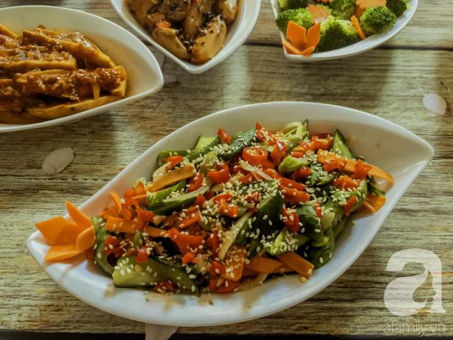 Rằm tháng 7, mẹ đảm Sài Gòn sửa soạn mâm cơm chay ngon đẹp hết cỡ ai nhìn thấy cũng phải xuýt xoa - Ảnh 5.