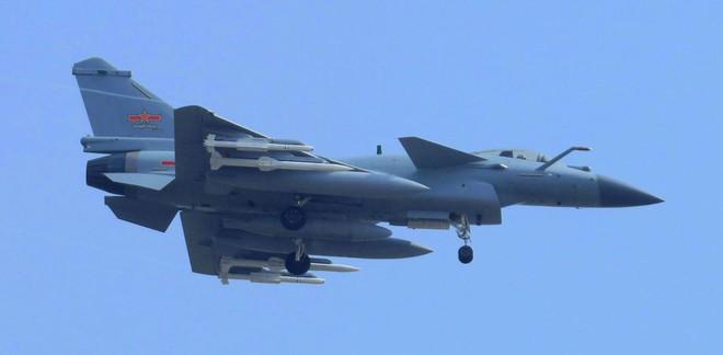 Tham vọng hiện đại hóa Không quân của Trung Quốc: Khó khăn do thiếu máy bay? - ảnh 4