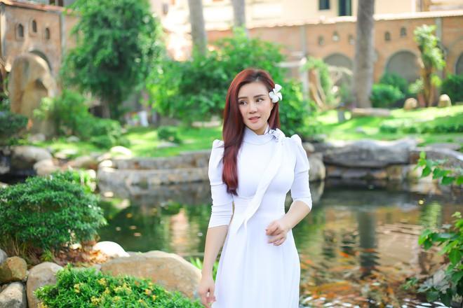 Ca sĩ Vy Oanh: Khi thu âm và quay MV cho album này, tôi khóc rất nhiều vì nhớ ba mẹ - Ảnh 5.