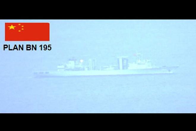 Đi qua lãnh hải Philippines không thông báo, chiến hạm Trung Quốc thay đổi hải trình khi bị phát hiện - ảnh 1