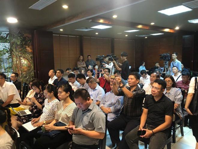 CEO Asanzo trải lòng về con đường sản xuất tivi bán cho những người bị bỏ quên và khủng hoảng Made in Vietnam - Ảnh 1.