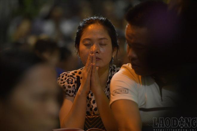 Hàng nghìn người ngồi kín chùa Phúc Khánh nghe giảng kinh trong lễ Vu Lan - Ảnh 6.