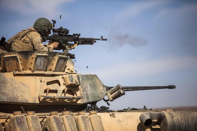 Mỹ xích xe chiến đấu vào tàu chiến: Thiếu hỏa lực đối đầu với  Iran? - ảnh 4