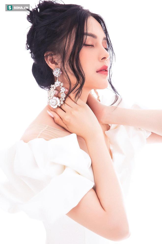 Á quân Tình Bolero 2019 - Lily Chen: Bán đất đi thi, chia tay người yêu vì không muốn bị khinh nghèo - Ảnh 1.