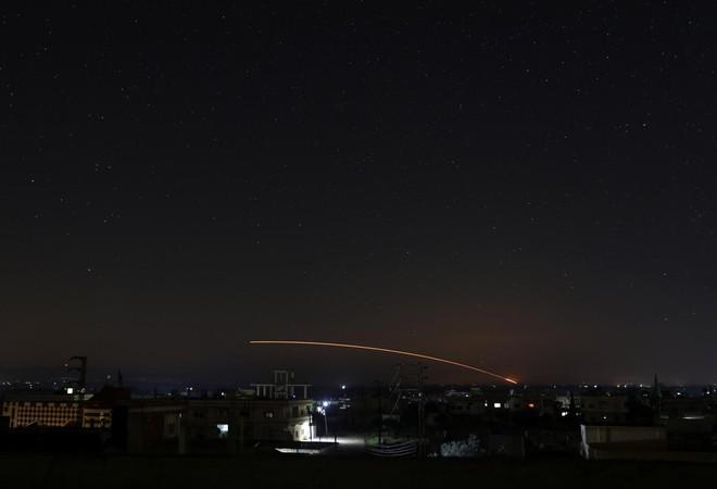 Syria bắn hạ tên lửa tấn công địa bàn đặt hệ thống S-300, S-400 Nga sẵn sàng khai hỏa - Ảnh 9.