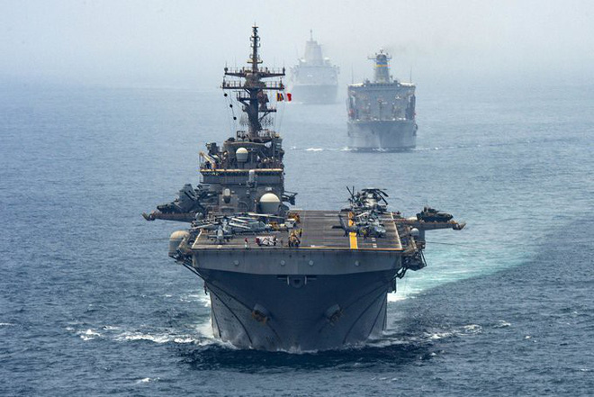 Mỹ xích xe chiến đấu vào tàu chiến: Thiếu hỏa lực đối đầu với  Iran? - ảnh 3