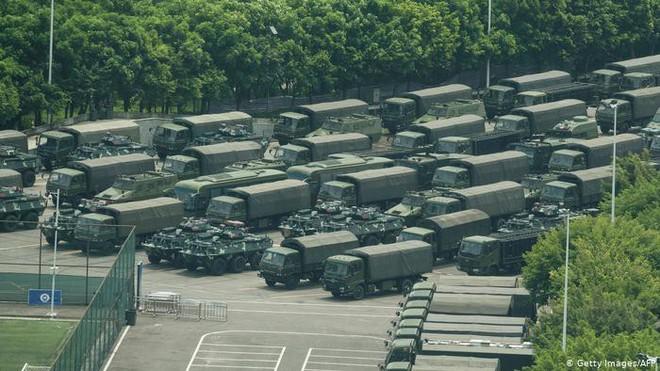 Báo Đức: Xe bọc thép Trung Quốc sẽ không tiến vào Hong Kong vì những nguyên nhân này - Ảnh 1.